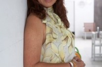 Carla Estrada 00