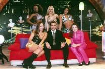 El elenco de La Hora Pico acompañados por Pablo Montero
