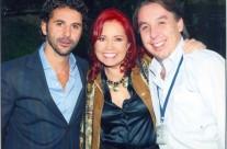 Carla Estrada con José Bastón y Emilio Azcárraga Jean