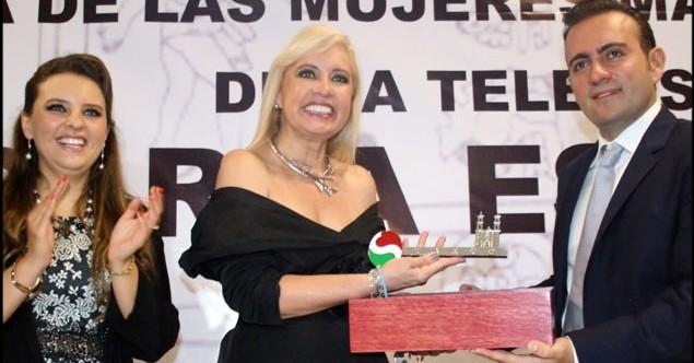 Recibe Carla Estrada llaves de la ciudad de Taxco