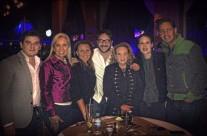 Carla Estrada y amigos celebrando el cumpleaños de Alex Abaroa